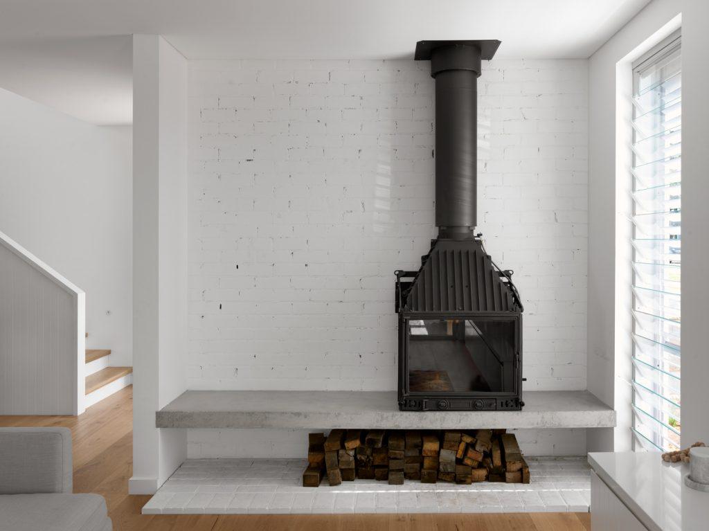 couvaras architects house interior fireplace